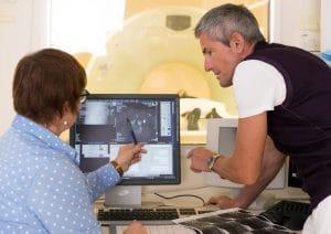 Behandlungsbeispiel Patient in CT oder MRT