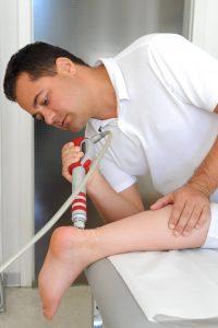 Dr. Daczo Stoßwellentherapie an der Ferse | MVZ Dr. Schneiderhan & Kollegen